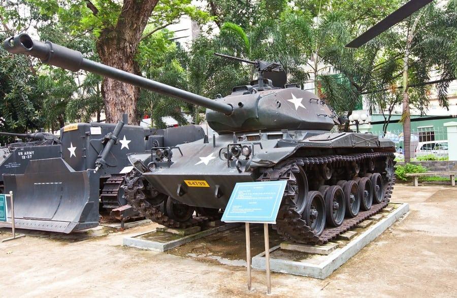 Американская техника в музее войны во вьетнаме как экспонат