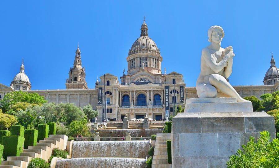 Как выглядит национальный музей каталонского искусства в Барселоне