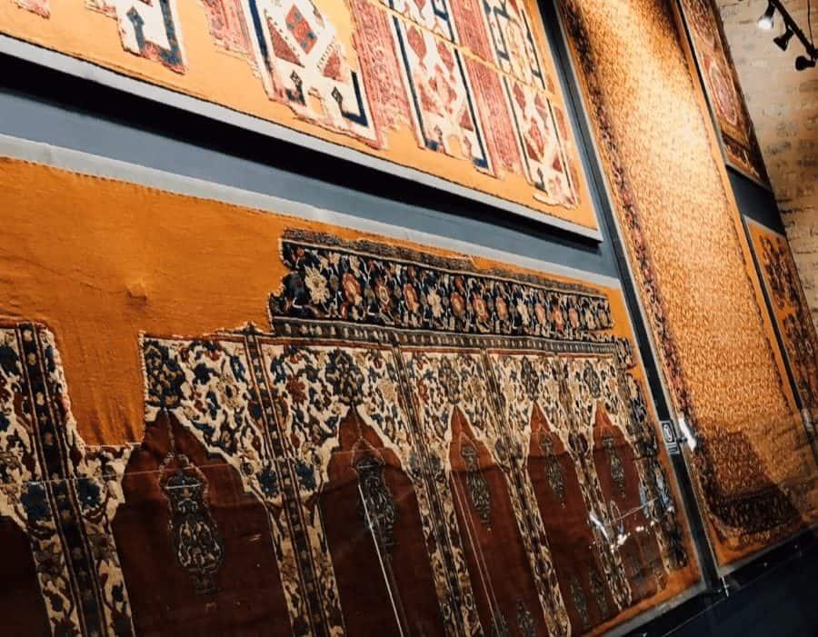 Коллекция ковров в музее турецкого и исламского искусства