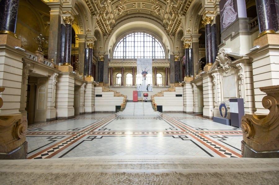 Убранства этнографического музея в Будапеште изнутри