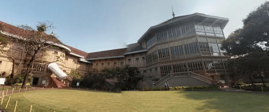 Дворец Виманмек в Бангкоке