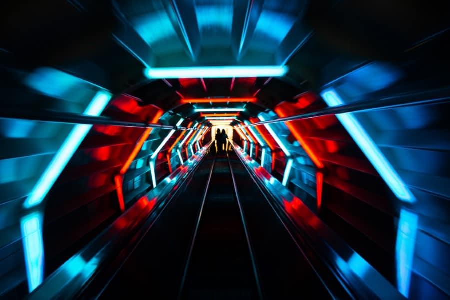 Эскалатор внутри Аномиума