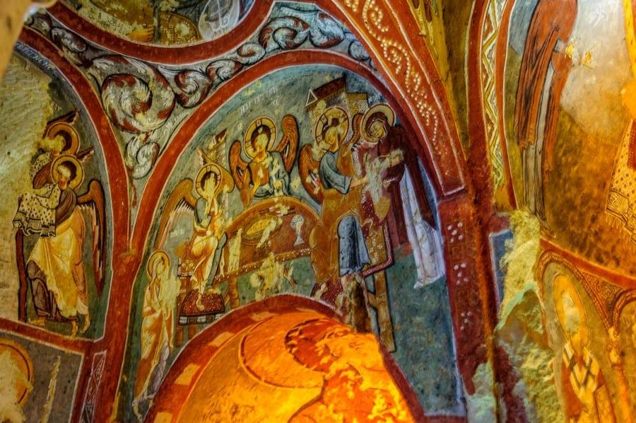 Фрески в монастыре Эльмалы в Гёреме