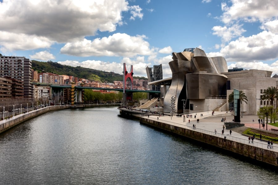 История и историческая ценность музея Гуггенхайма в Бильбао