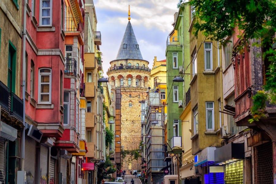 История и легенды башни Галатской башни