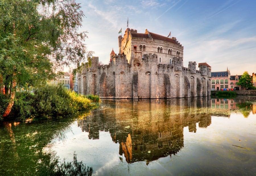 История замка графов Фландрии в Генте