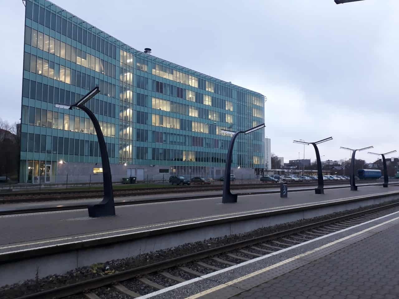 Вид на платформу таллинского вокзала
