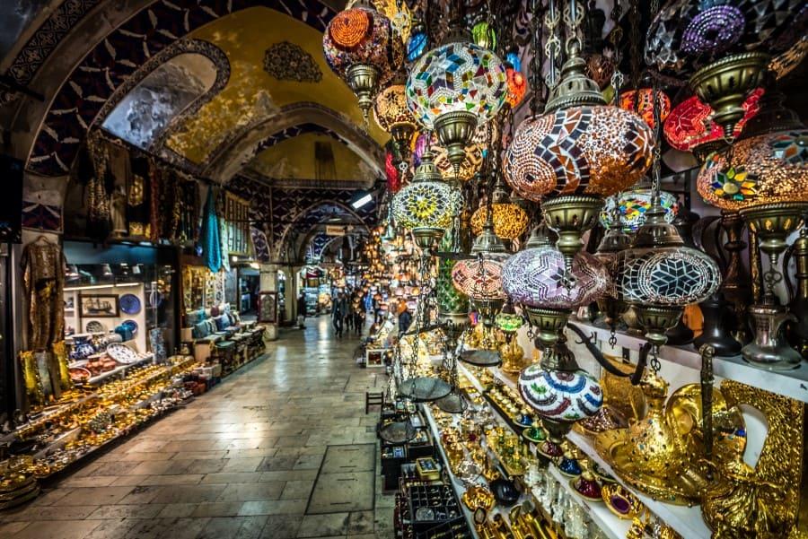 Мелочь которую продают на Гранд Базаре в Стамбуле