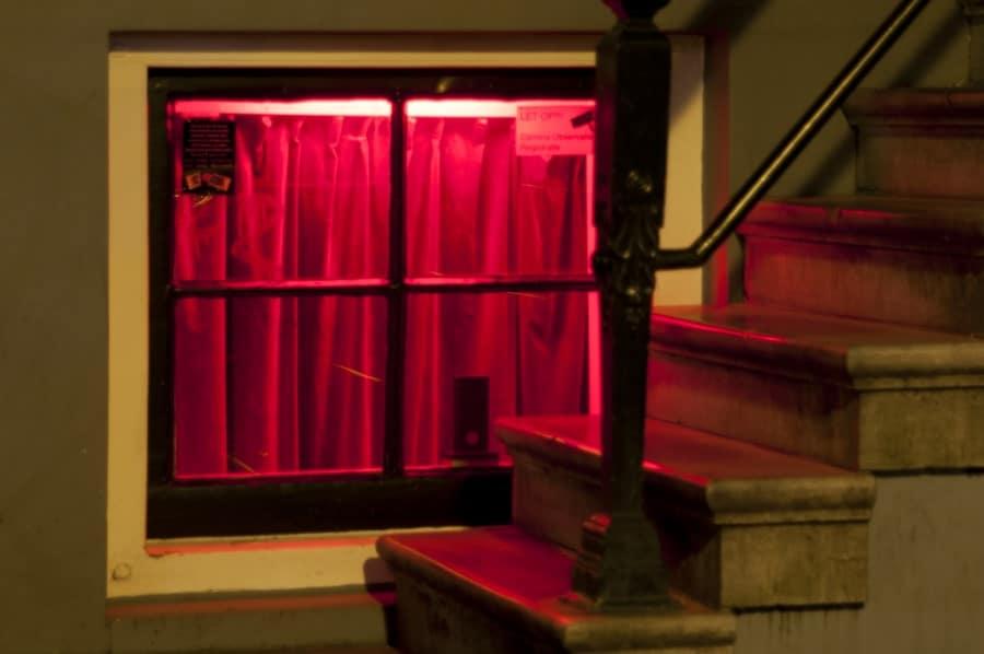 Особенности квартала красных фонарей в Брюсселе