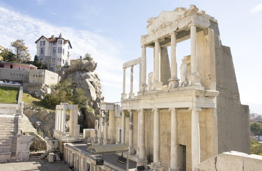 Развалины римского театра в Пловдиве