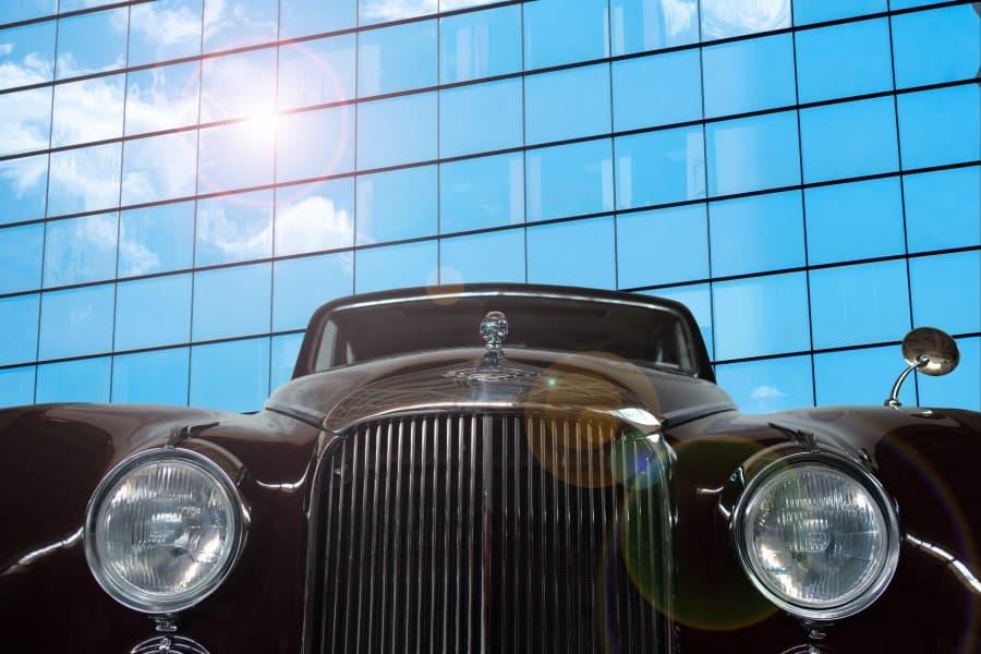 Ретро автомобиль в музее в Риге