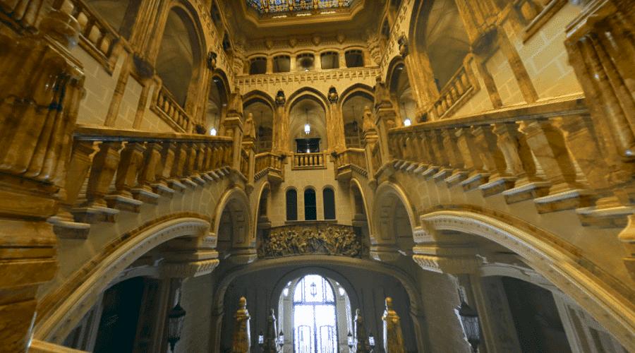 Роскошный морской музей в Мадриде изнутри