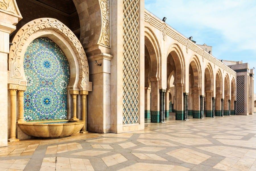 Специальные места для омовения перед началом намаза в Голубой мечети в Стамбуле