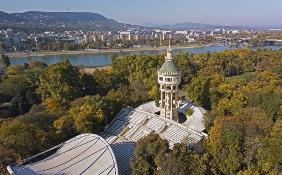 Старая водонапорная башня на острове Маргит в Будапеште