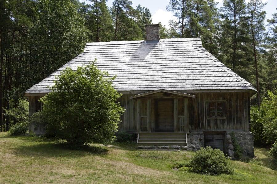Традиционный дом в этнографической деревне в Риге