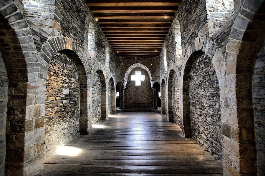 Внутренний вид замка графов Фландрии в Генте