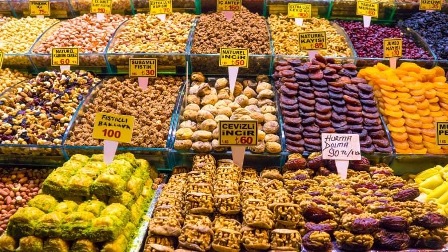 Восточные сладости продающиеся на Гранд Базаре