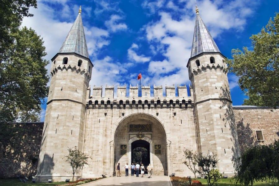 Врата во дворец Топкапы в Стамбуле