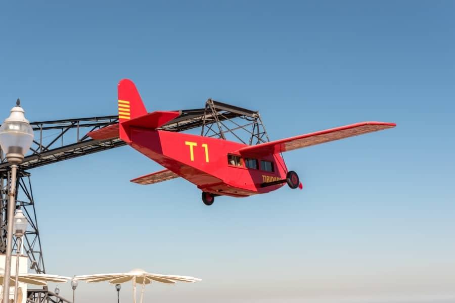Аттракцион Аэроплан на горе Тибидабо в Барселоне