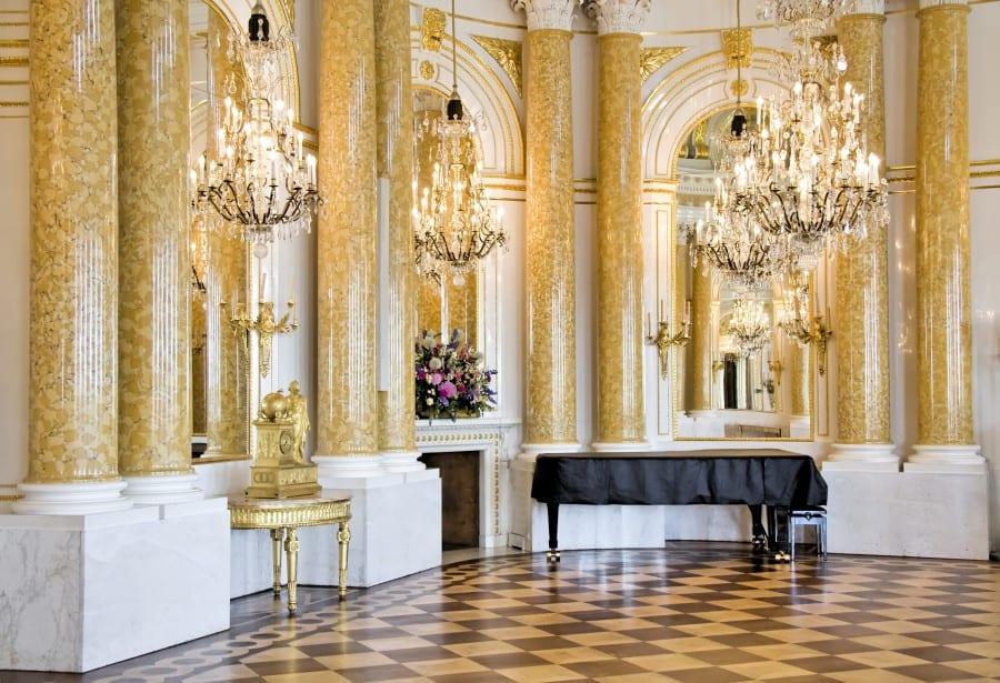 Бальный зал в Королевском замке Варшавы