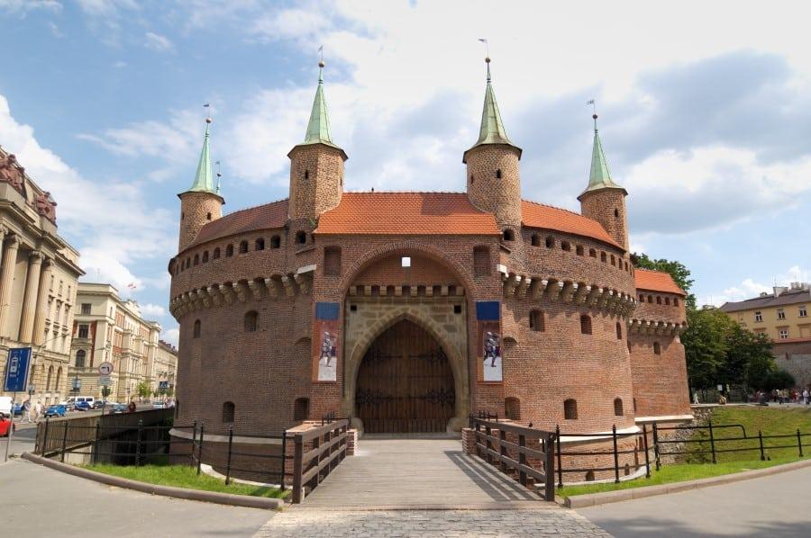 Барбакан в Старом городе в Кракове