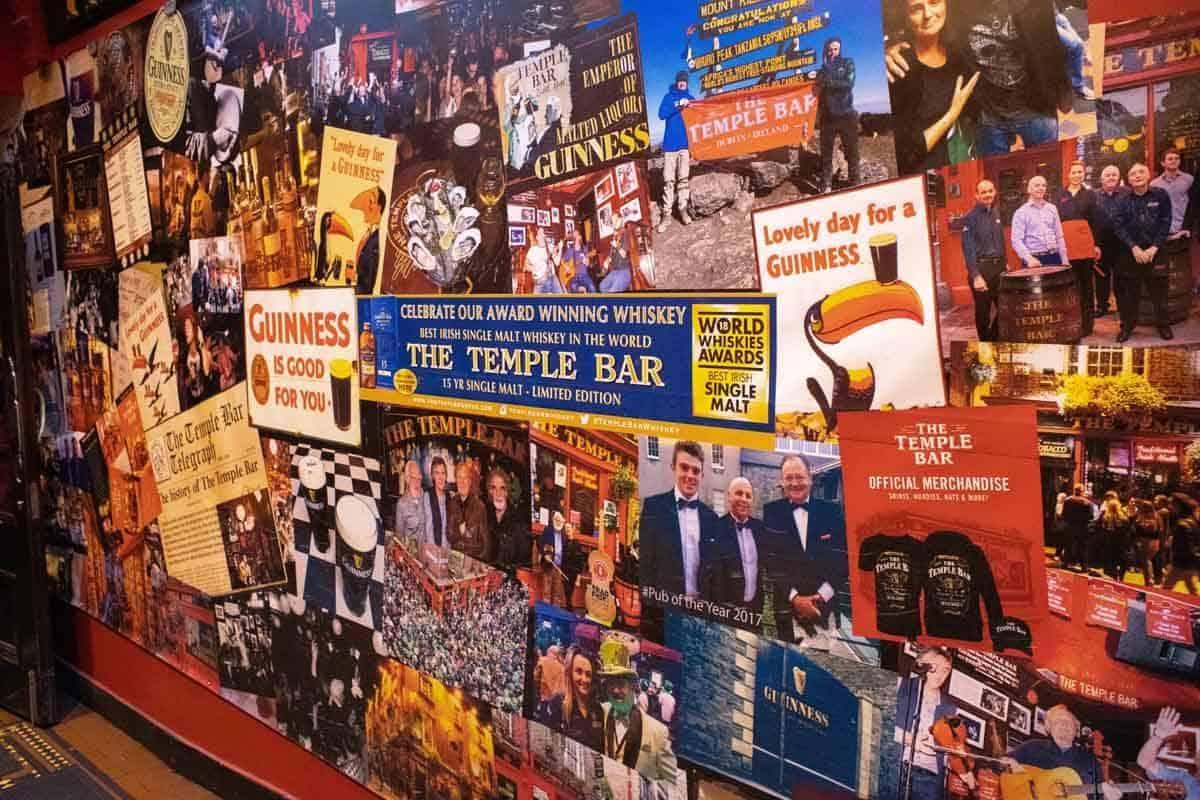 Еще вывески из баров на Темпл Баре