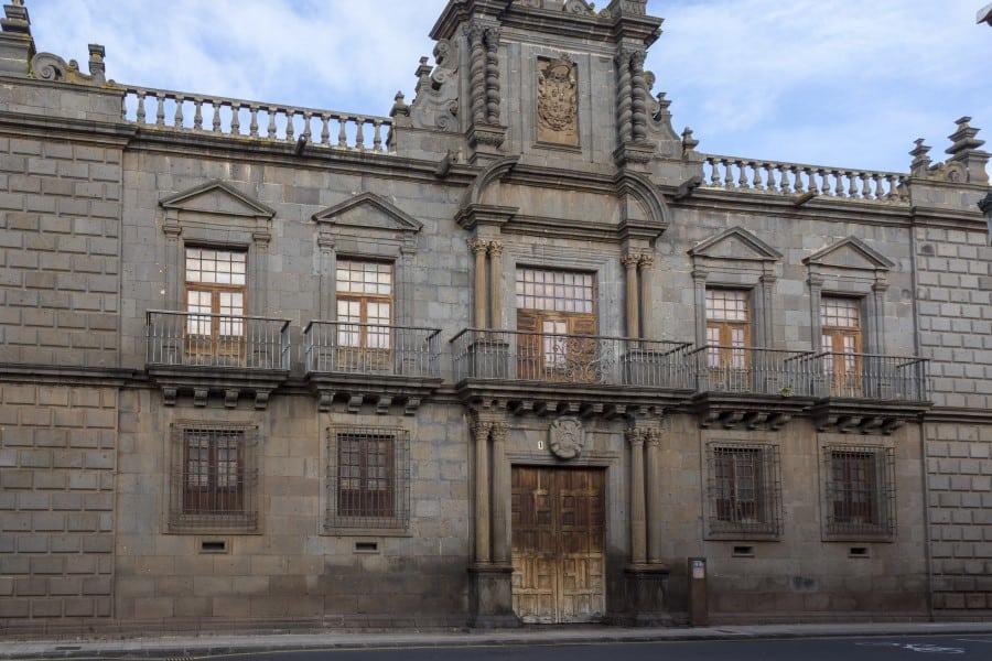 Фасадный вход в музей истории Тенерифе
