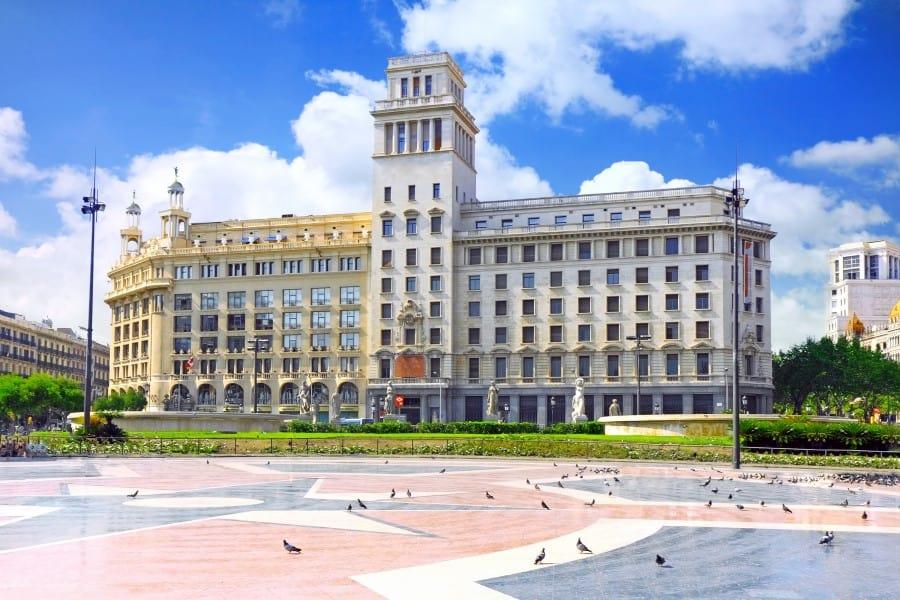 История строительства площади Каталонии в Барселоне