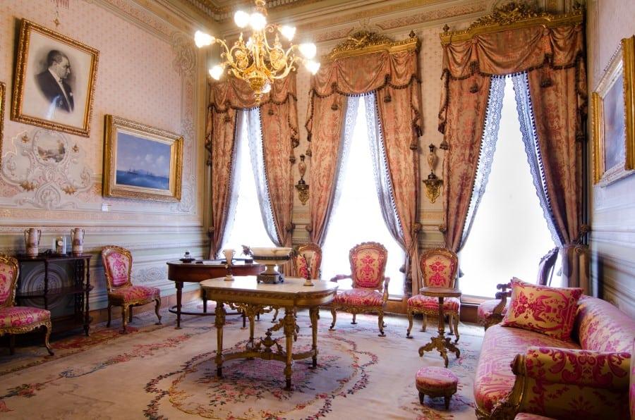 Кабинет Мустафы Камал Ататюрка во Дворце Долмабахче