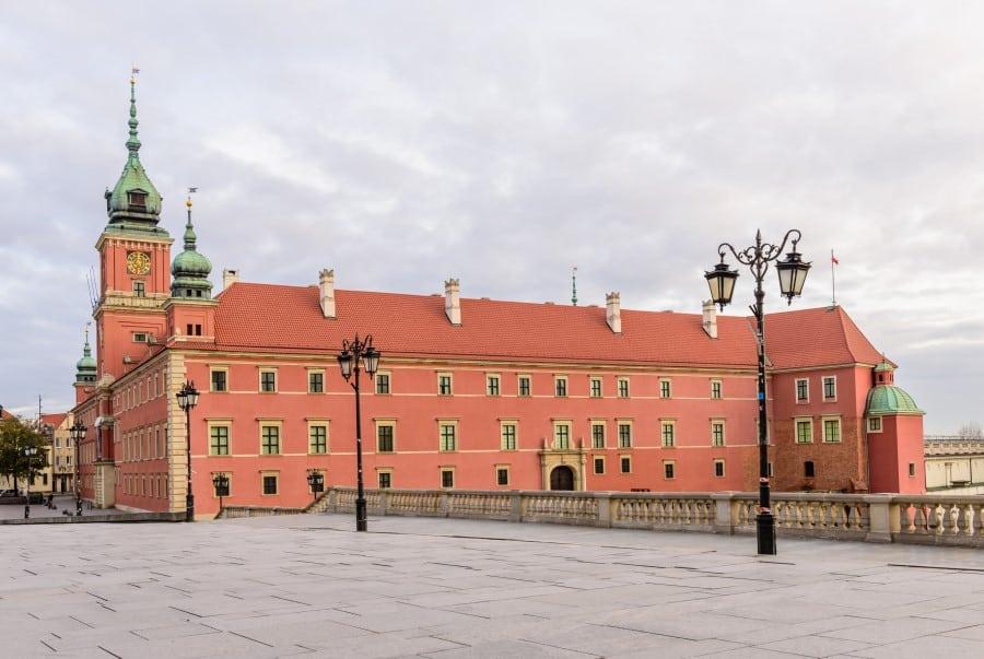 Королевский дворец Варшавы вид снаружи
