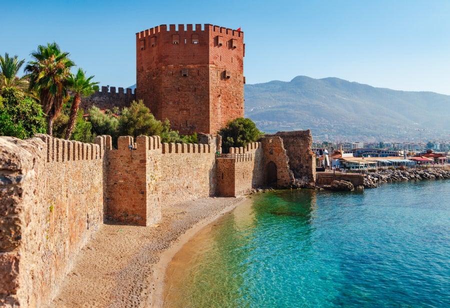Крепость и стены Алании