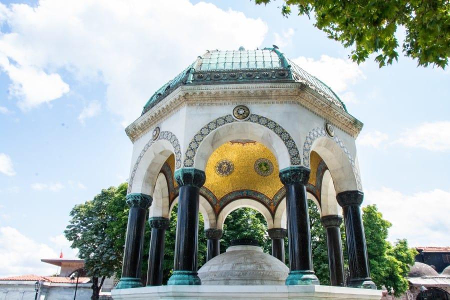 Немецкий фонтан в Стамбуле (Турция)