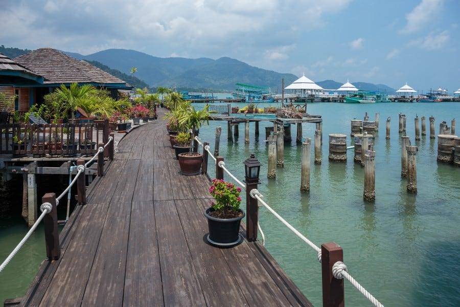 Обычные домики в рыбацкой деревни Банг Бао