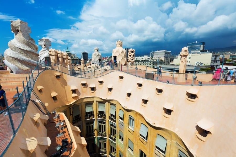 Описание дома Мила в Барселоне
