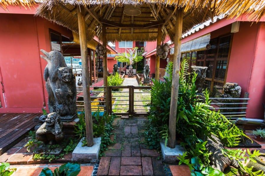 Отели в рыбацкой деревни Банг Бао