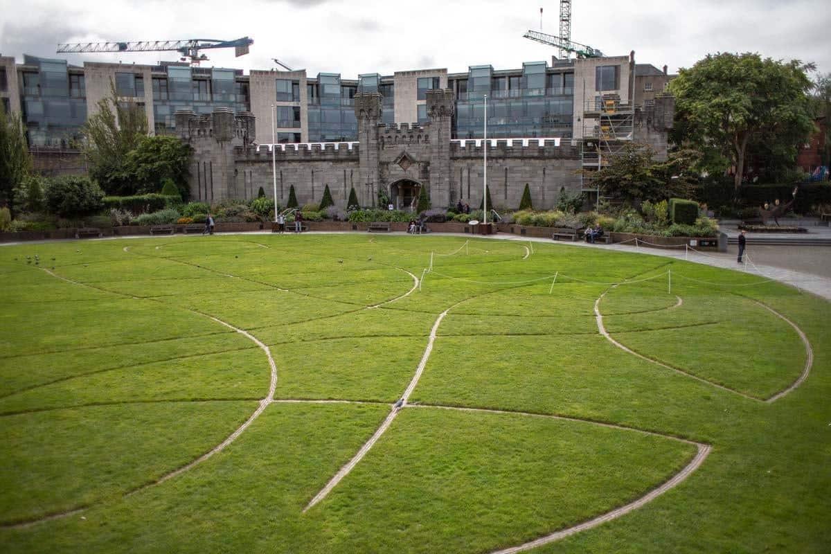 Памятник Олимпиаде 2003 года в Ирландии