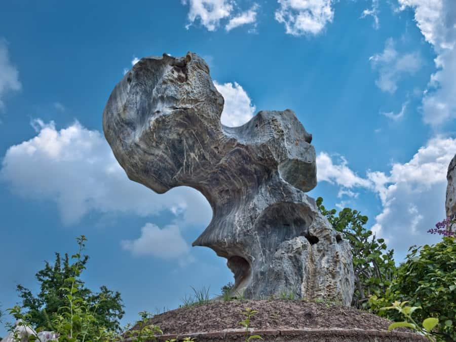 Парк миллионолетних камней и крокодиловая ферма в Паттайе