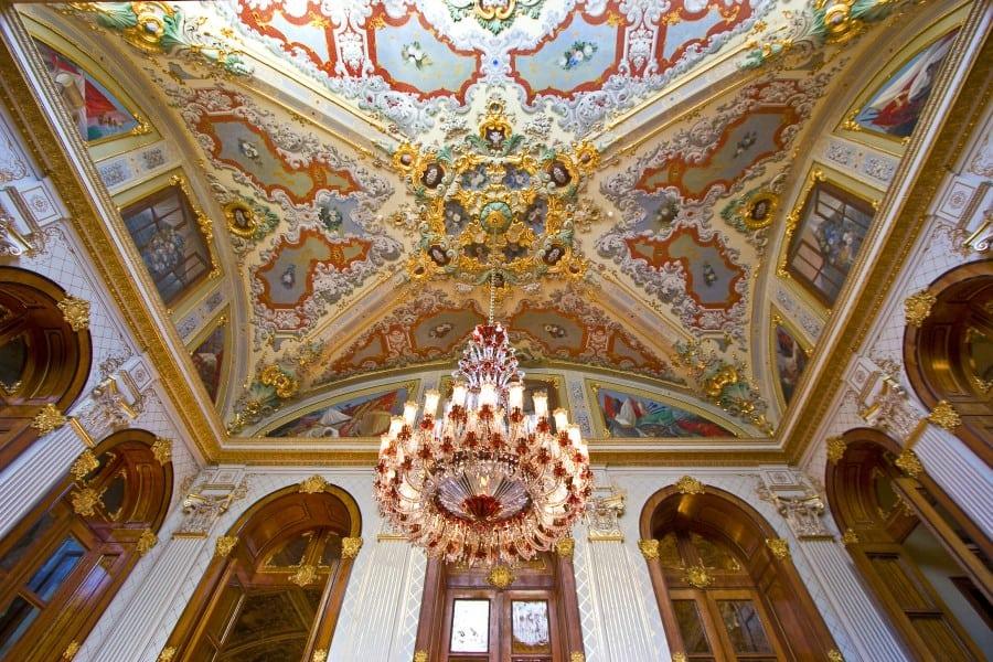 Потолок во Дворце Долмабахче