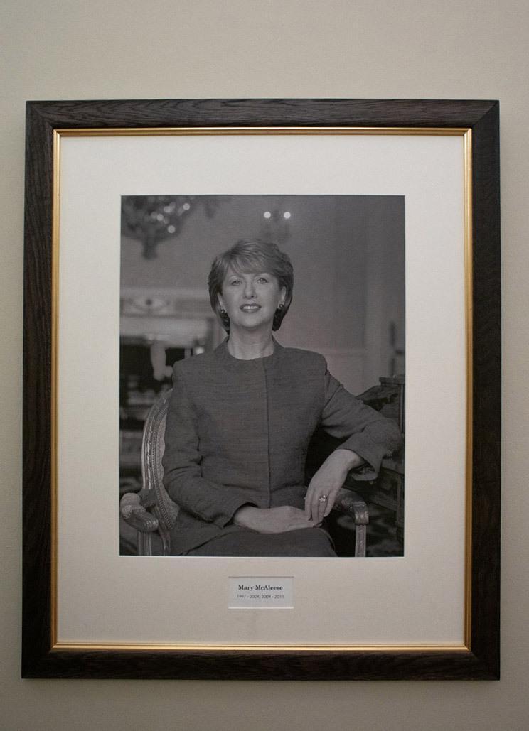Портреты женщин-президентов Ирландии