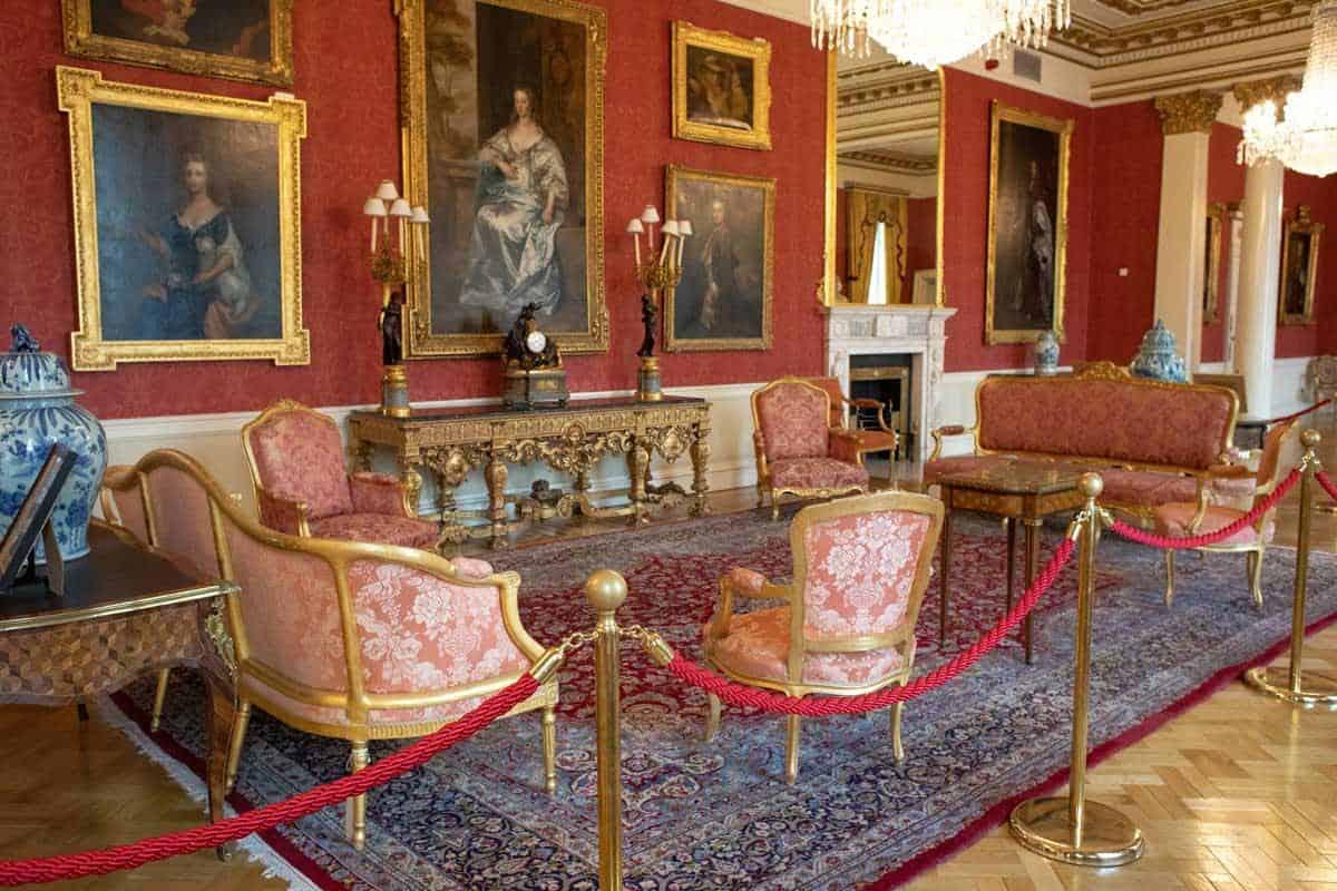 Роскошные комнаты отдыха в Дублинском замке