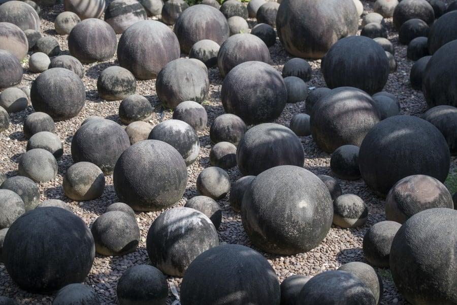 Сад камней в Парке Нонг Нуч в Паттайе
