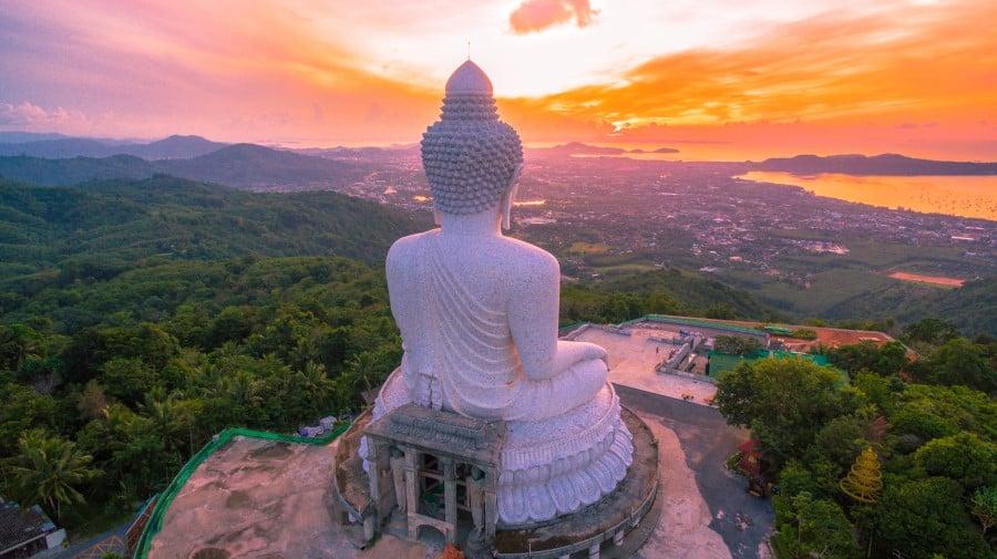 Статуя Большого Будды в Пхукете (Таиланд)