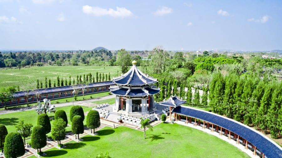 Территория Парка Трех Королевств