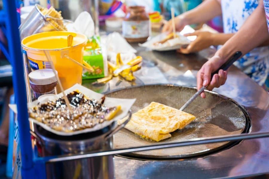 Уличная еда на Каосан в Бангкоке