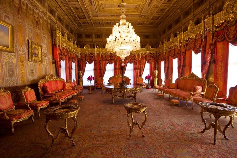 Внутреннее убранство Дворца Долмабахче
