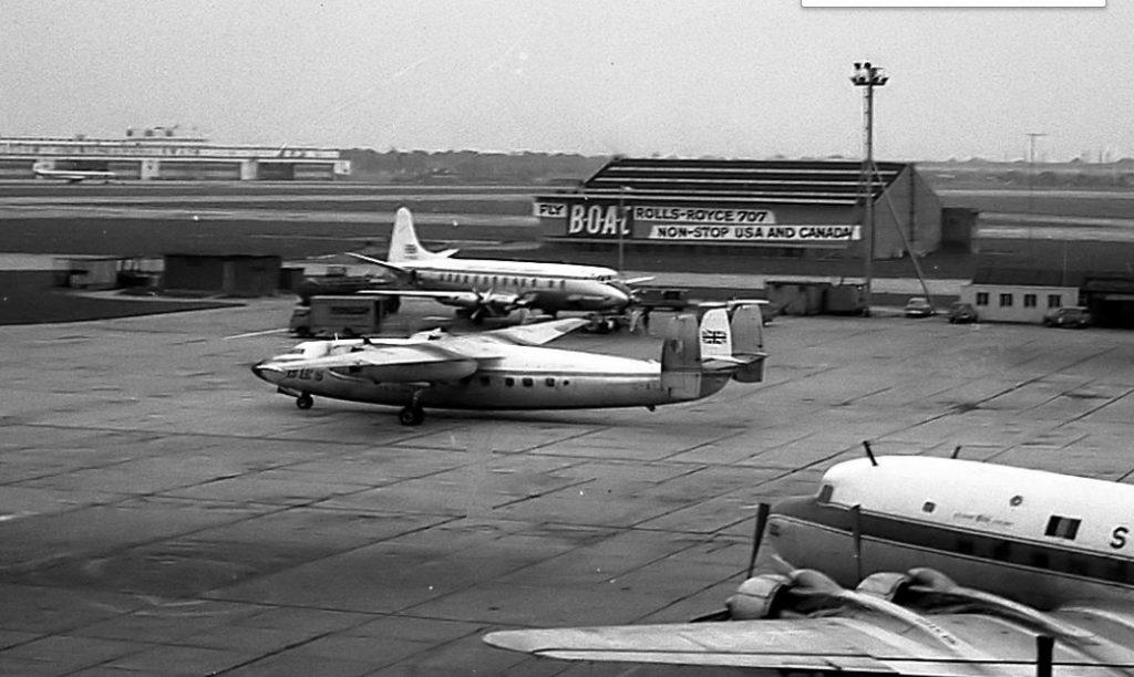 Здание и самолеты Хитроу в 1960