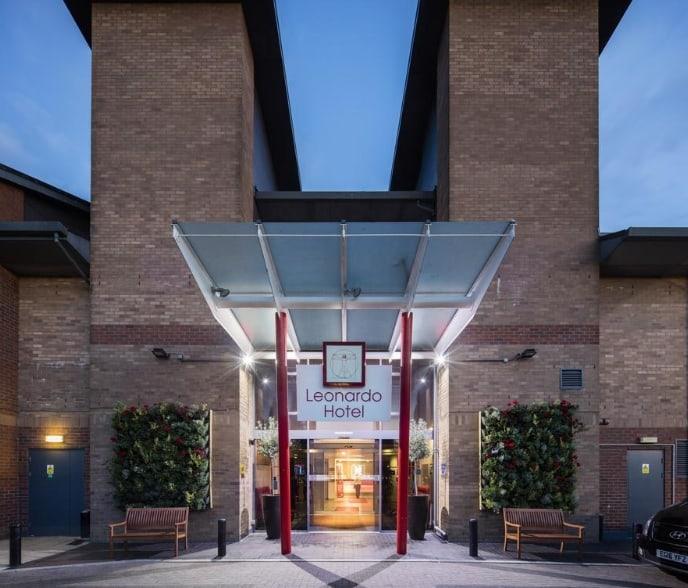 Отель Leonardo London Heathrow Airport