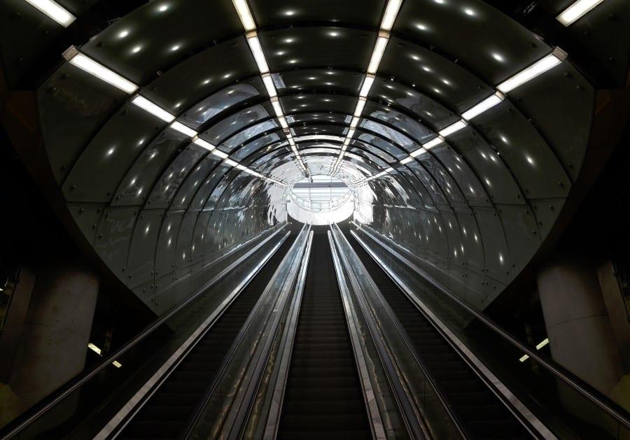 Остановка метро «Metro Centrum Nauki Kopernik»